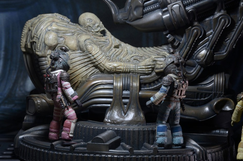 NECA-Alien-Foam-Space-Jockey-004