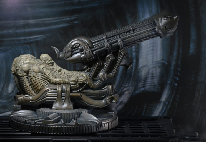 NECA-Alien-Foam-Space-Jockey-015
