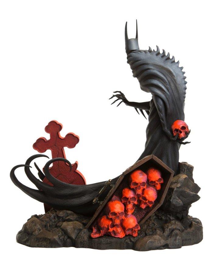 mondo-batman-red-rain-statue-004