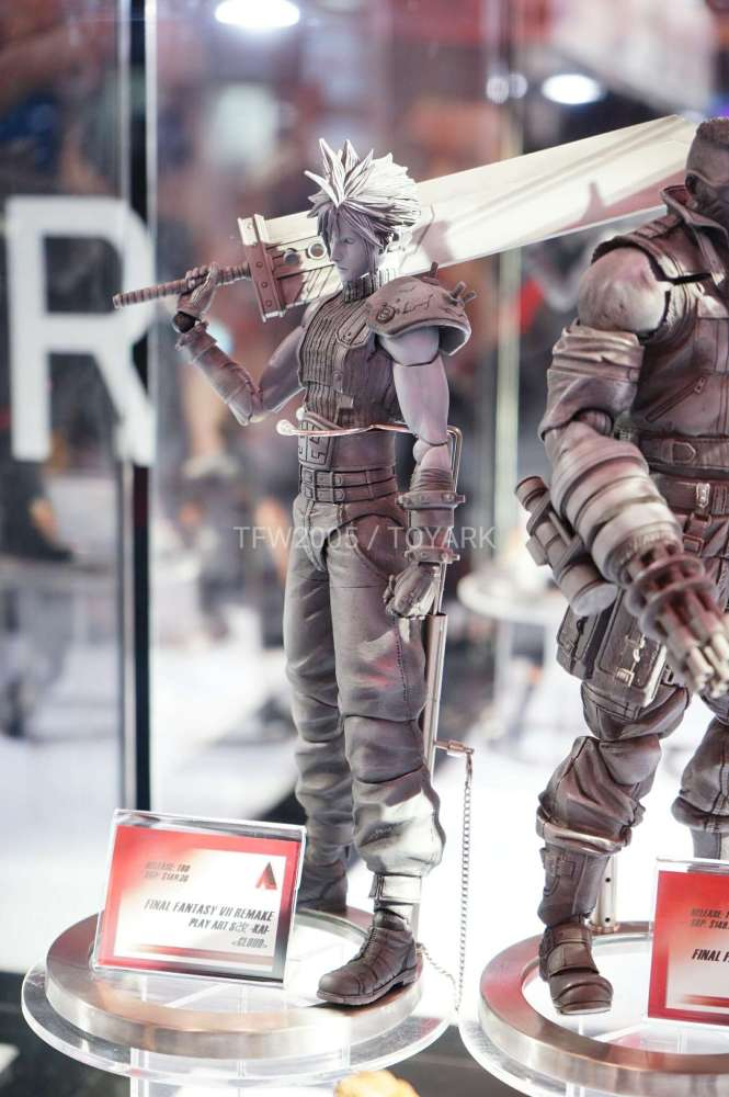 nycc2016-square-video-game-figures-012
