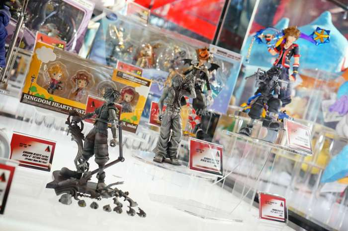 nycc2016-square-video-game-figures-027