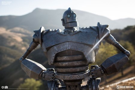 the-iron-giant-maquette-400287-03