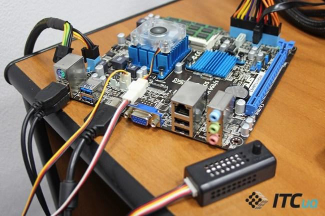 ASUS_C8HM70-I_HDMI_11