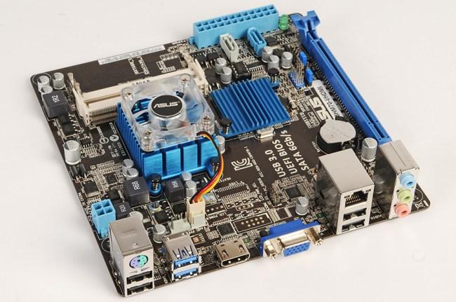 ASUS_C8HM70-I_HDMI_intro_900