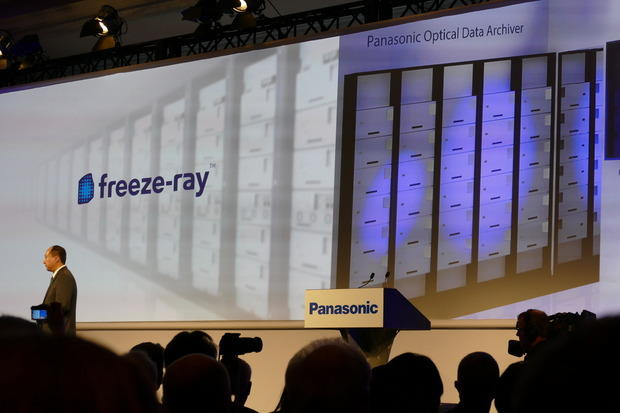 panasonic-to-commercialize-facebooks-bluray-cold-storage-systems_1
