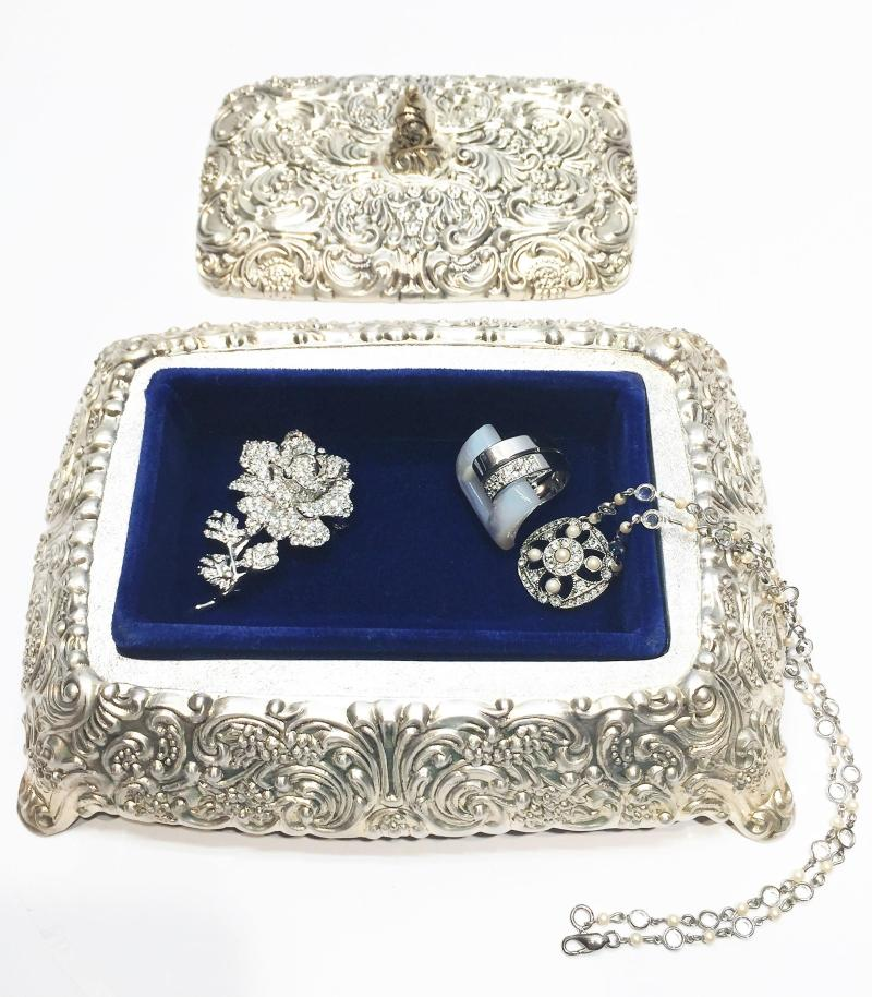 Large Of Vintage Jewelry Box