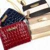 【旅支度】財布は小さくて使いやすくて、バッグにつないでおくべし! ベルメゾンの旅先でスマートに使える二つ折り財布