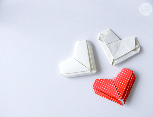How-To-Fold-A-Letter-Into-An-Origami-Heart-021