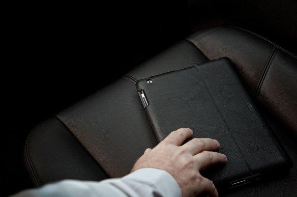 Luxurious ZAGGfolio in black leather