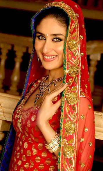 kareena-kapoor-wedding-dress-designer-in-india-2012