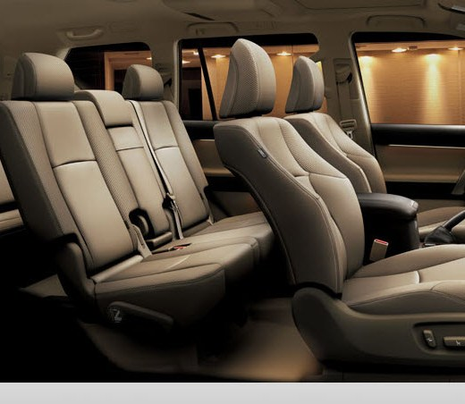 Toyota-Land-Cruiser-Prado-2013-interior picture