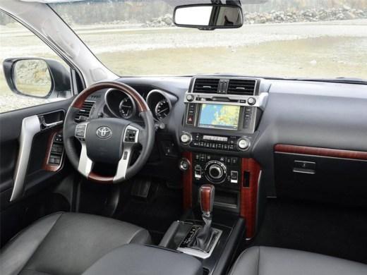 interior-view-landcruiser-2014-2015-picture