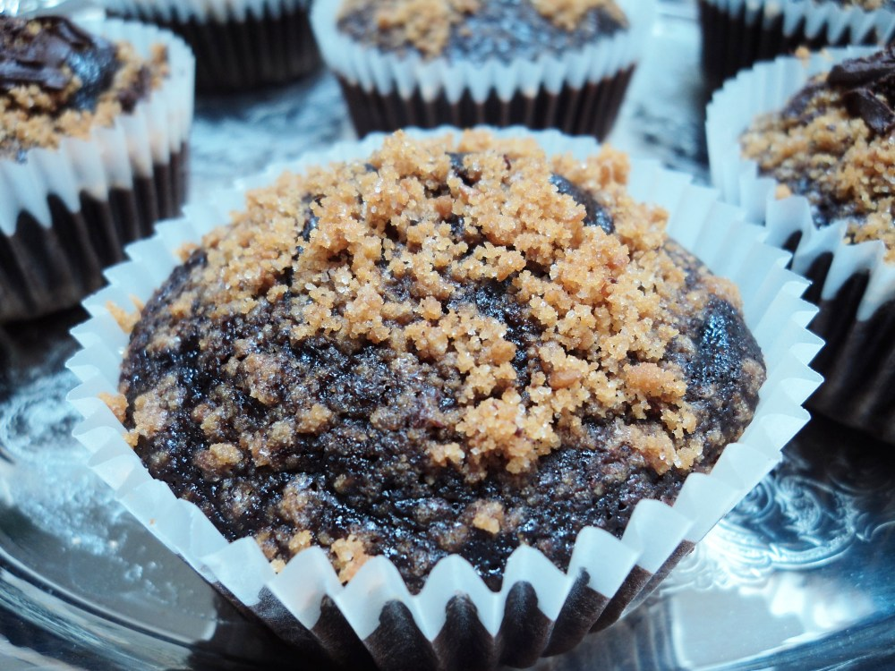 S'mores Cupcakes. I think I got your attention. (4/6)