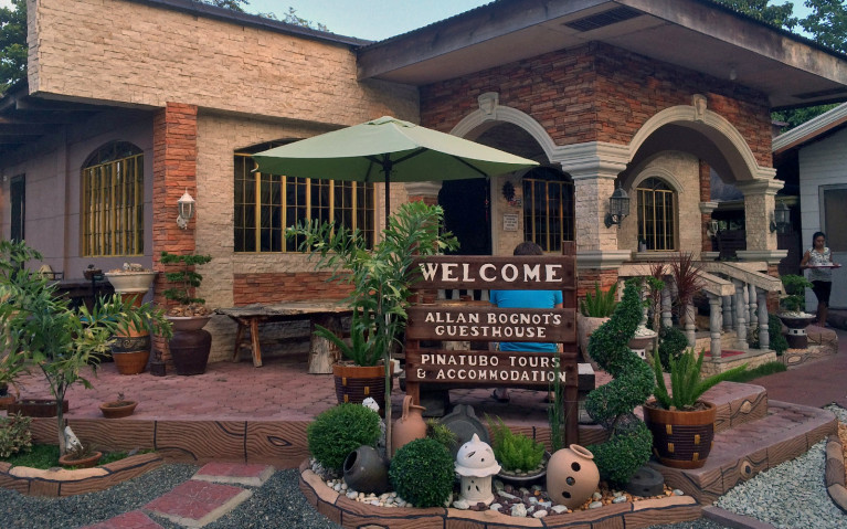 Casa Hermogina - Mt Pinatubo Tour :: I've Been Bit! A Travel Blog