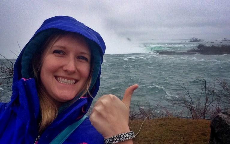 I've Been Bit Lindsay Selfie Niagara Falls
