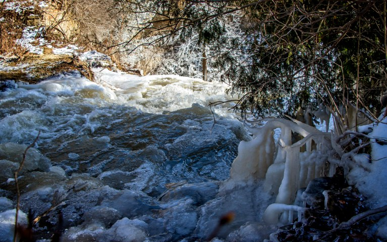 Crest of Borer's Falls - Hiking Hamilton's Borer's Falls :: I've Been Bit! A Travel Blog