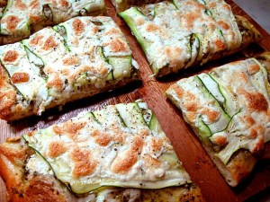 Courgette-Pesto Pizza