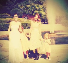 Jessica Alba and her daughtetrs with the bride