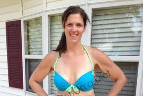 Her bikini photo went viral, now she wants to help others to be proud of their bodies.