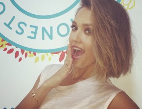 Jessica Alba shares a photo. Makes her followers incredibly angry.