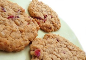 ANZAC Biscuits with dried fruit