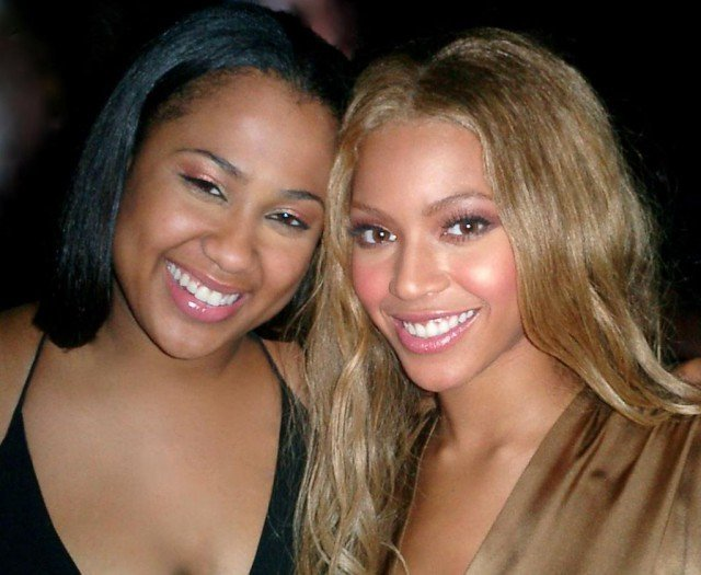 Photo of Beyoncé Knowles & her Cousin  Angie Beyince