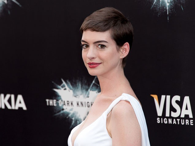 Anne Hathaway: I am the Only One Here That is Not a Mother