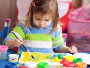 Budget 2015: Scott Morrison announces extra childcare money for at-risk children.