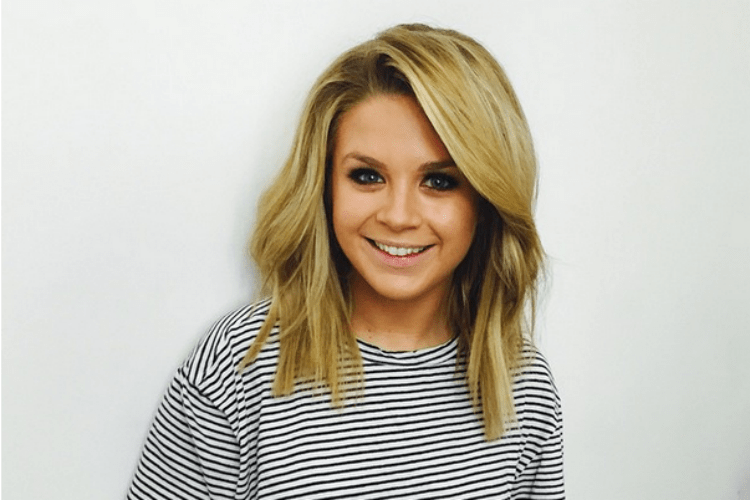 Want to know how to wake up looking like Emma Freedman? You're in luck.