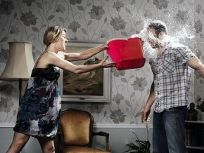 10 signs your relationship is in trouble