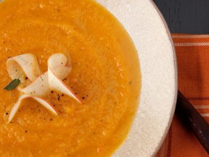 Butternut pumpkin soup with apple and sage