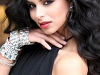 Very Haifa-like pose