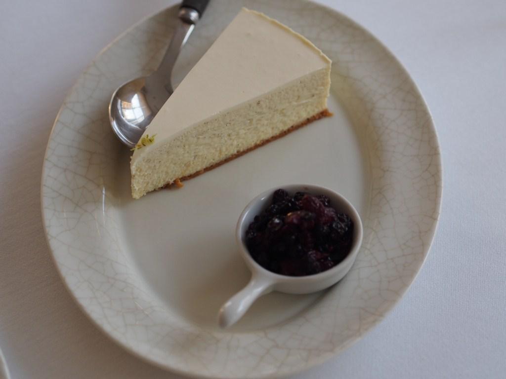 La Petite Maison Beirut Review vanilla cheesecake