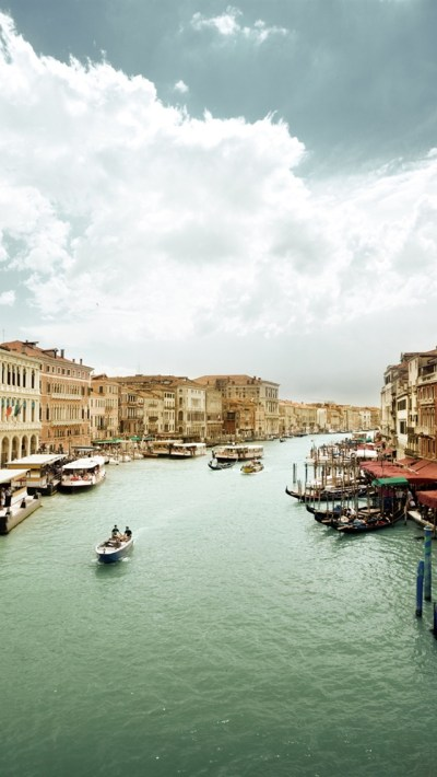Venice, Italy, houses, boats, canal iPhone X 8,7,6,5,4,3GS wallpaper download - iWALL365.com