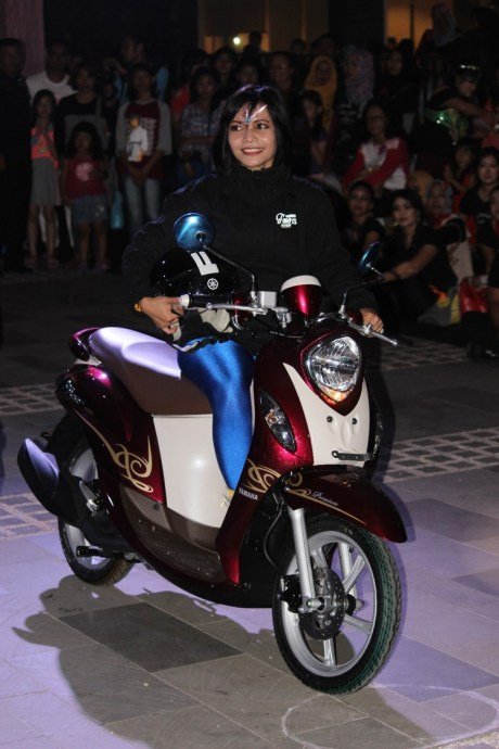 Prosesi launching New Fino 125 Blue Core di Mall Ratu Indah Makassar