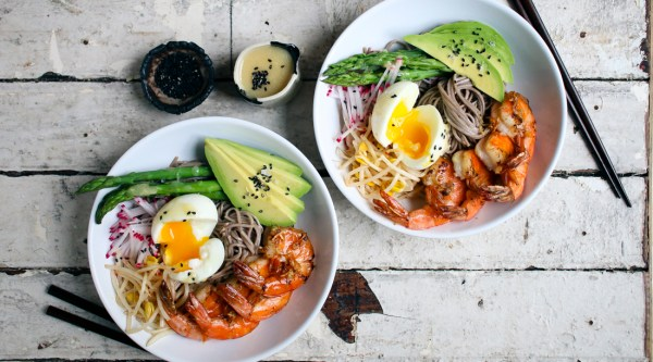 Fresh Soba Noodle Bowl with Garlic Shrimp & Miso Dressing | I Will Not Eat Oysters