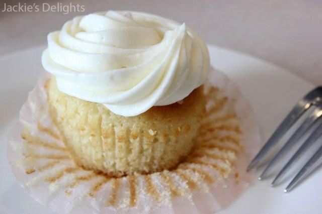 Flan Cupcakes.3