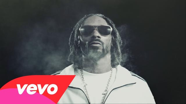 Snoop Lion – Ashtrays & Heartbreaks ft. Miley Cyrus (Official Video)