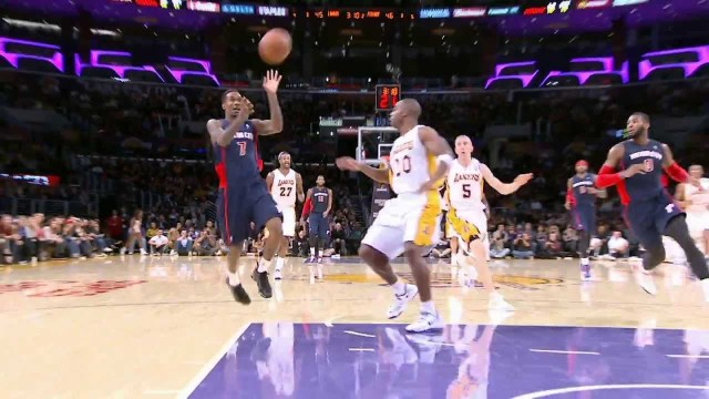 Top 10 NBA Assists: November 2013