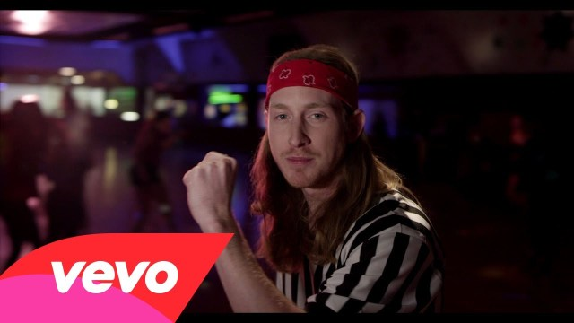 Asher Roth – Tangerine Girl (Official Music Video)