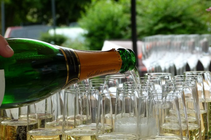 champagne-215645_1280