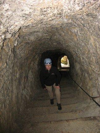 Tunele wykute zostały podczas I wojny światowej przez żołnierzy austriackich i włoskich walczących o te tereny. Jedni drugich podkopywali, jedni drugich wysadzali w powietrze.