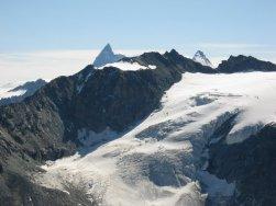Matterhorn (4476), Dent d'Herens (4171), Pointes de Tsena Refien, Glacier de Tsena Refie.