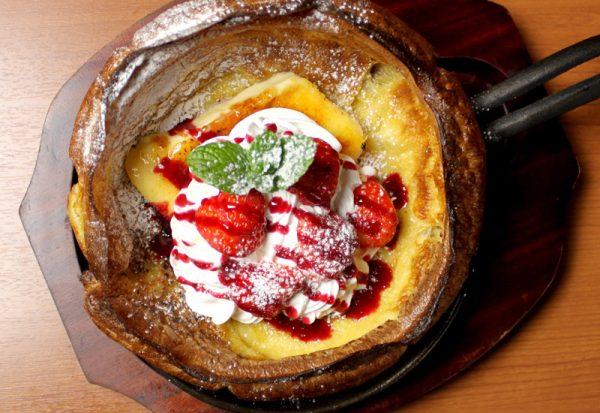 あまおう苺のダッチパンケーキ