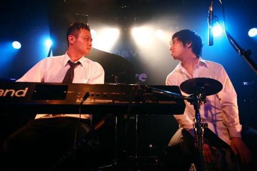 JapanShops_fasion_piano3