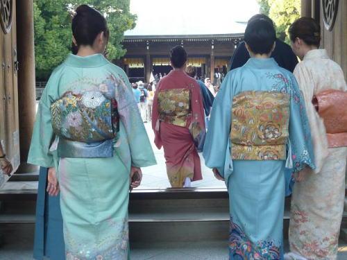 JapanShops_tradition_kimono3