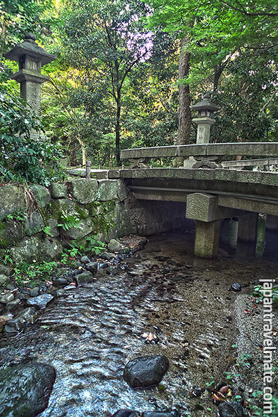 An old stone bridge runs over the Nara-no-ogawa (奈良の小川 / Nara Stream) [HDR Photo]