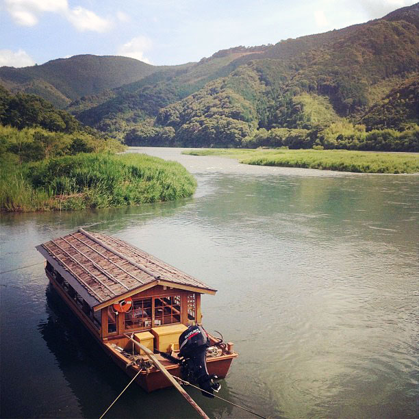 An almost-traditional boat on the Shimanto River.
