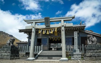 Ontake-jinja Okusha: Ancient Shrine on Japan's Second Highest Volcano