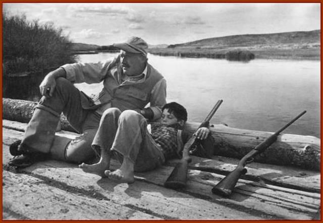 Hemingway con su hijo